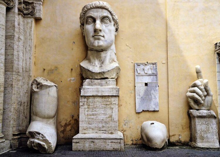 El Coloso de Constantino, restos de la estatua del empreador Constantino el Grande (Museos Capitalinos, Roma)