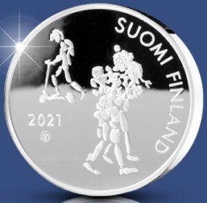 Anverso de la moneda de plata dedicada al centenario de la Ley de Enseñanza Obligatoria de Finlandia